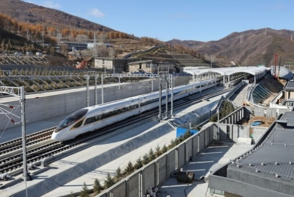 China launches first smart high-speed railway