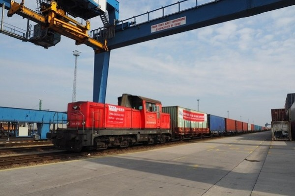 New cargo train links east China with Hungary