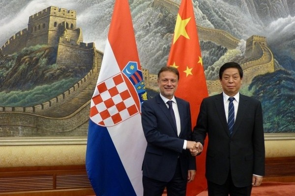 Li Zhanshu meets Croatian parliament speaker